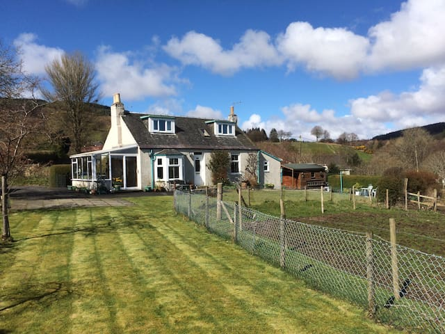 Superbly situated Arran cottage - Lamlash - Ev