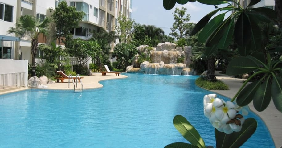 Private Condo with Pool - Phasi Charoen - Apartemen