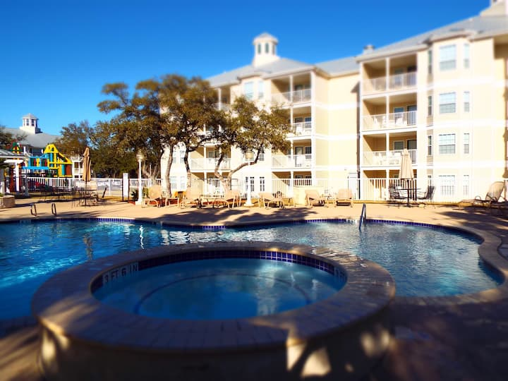 Hill Country Condo at Canyon Lake