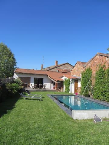 Toulousaine en bord de Garonne - Roques - House