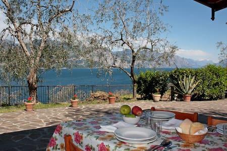 Appartamento con vista sul lago! - Brenzone - Apartment