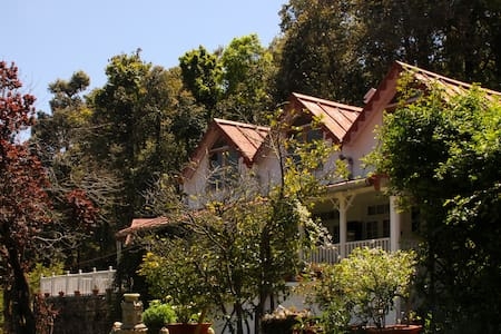 Cottage by The Woods, Vienna Lodge - Nainital - Hus