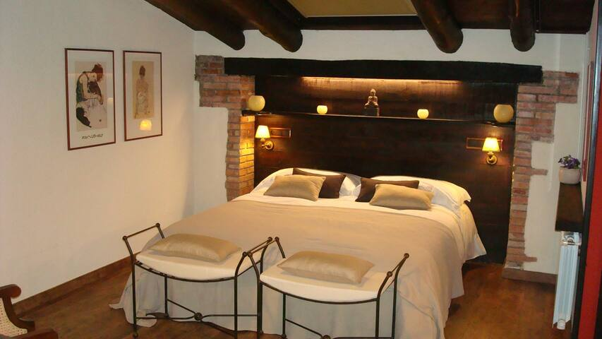 Suite Constanza, jacuzzi i solarium - Sant Quintí de Mediona - 家庭式旅館