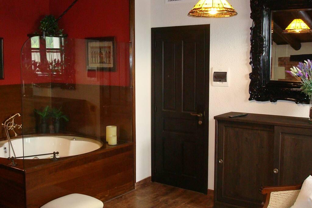 Suite Constanza con jacuzzi y solarium privado.