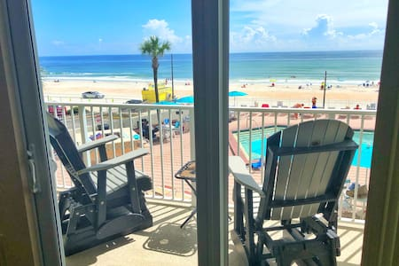 Cozy Ocean View Studio in Daytona Beach!