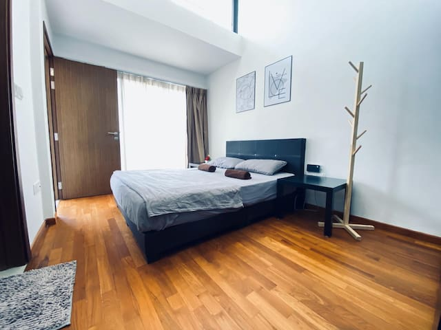 2 Bedroom Penthouse Near Mrt & Buses 2