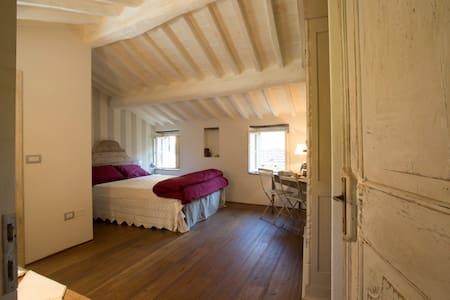 Charming house in Cortona, Tuscany - Cortona - House