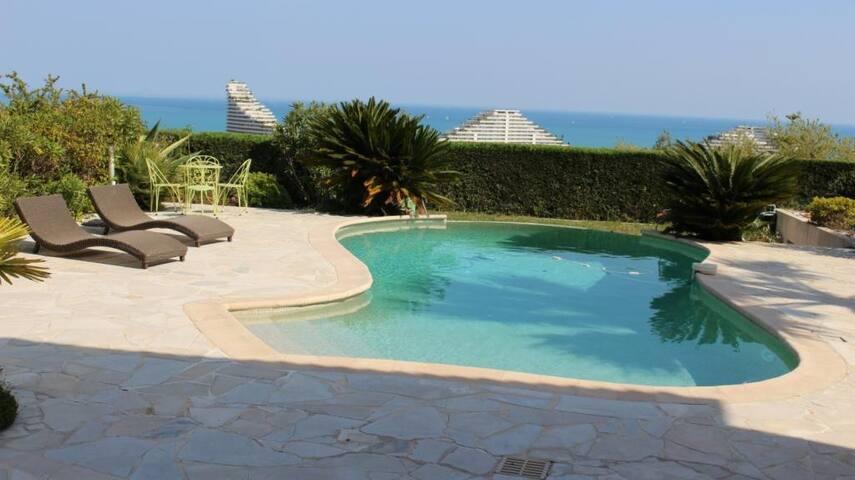 Belle Villa avec vue exceptionnelle - Villeneuve-Loubet - House