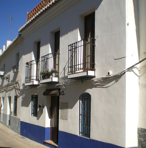 Two bedroom, terraced house - Pinos del Valle - House