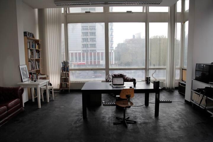 Artist studio - sunny, spacious and unique