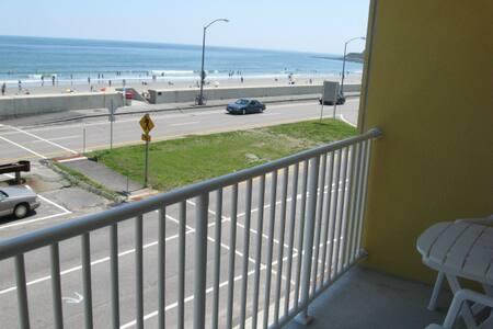 Ocean Condo to fall for! - Hampton - Wohnung