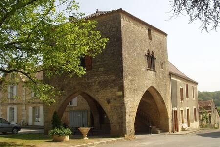 La Maison du Bayle - Molières - Κάστρο