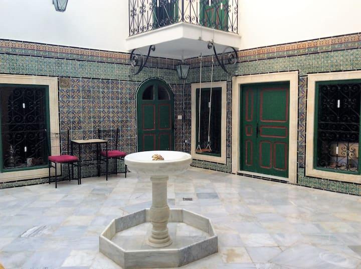17th Century House in Medina Independant bathroom
