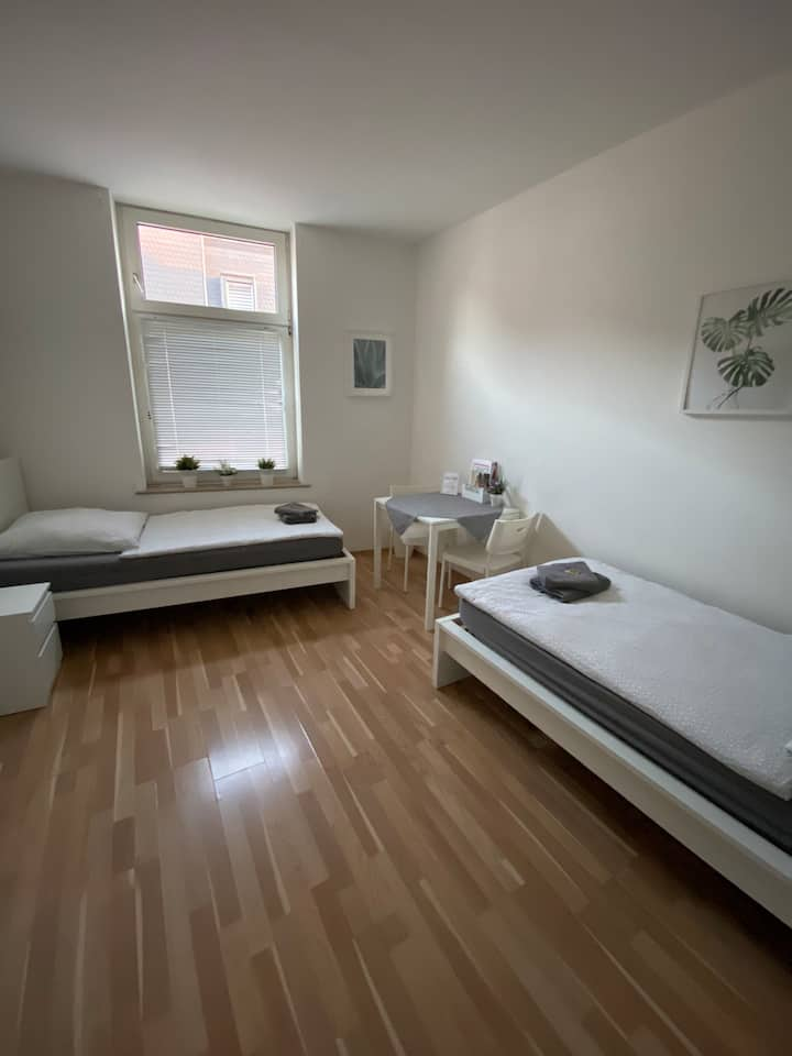 Zwei-Zimmer-Wohnung 2.OG