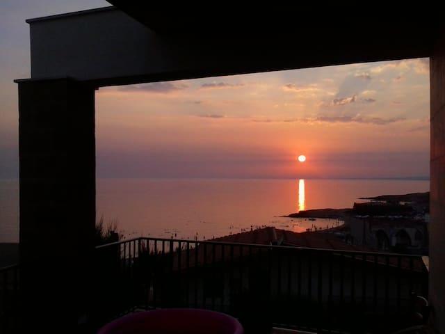 The sunsets Cava D'Aliga - Cava D'aliga - Lägenhet
