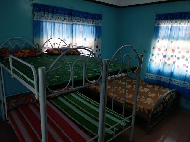 YEN JIA HOMESTAY (up to 6 person, air-conditioned)