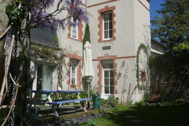 Maison de Charme - Jardin Clos - Plage 100 m