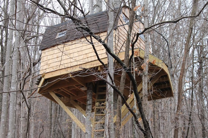 Luke's Treehouse - Mathias - Baumhaus