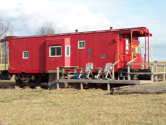 #407 Grassy Creek Cabooses - Fancy Gap - Tren