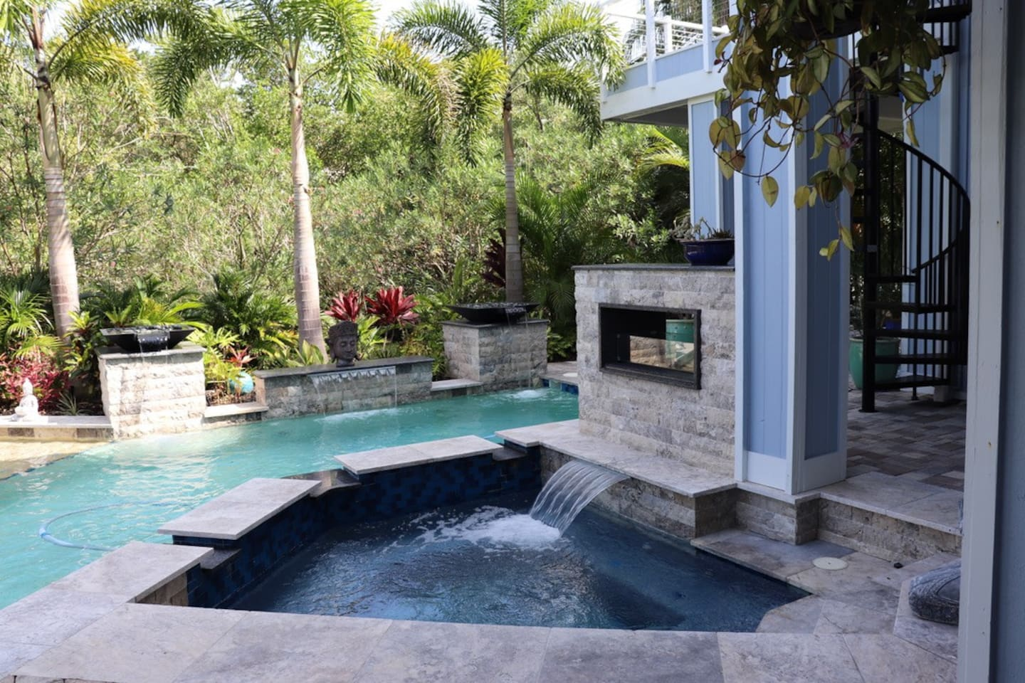 Tranquil pool , hot tub & fire place