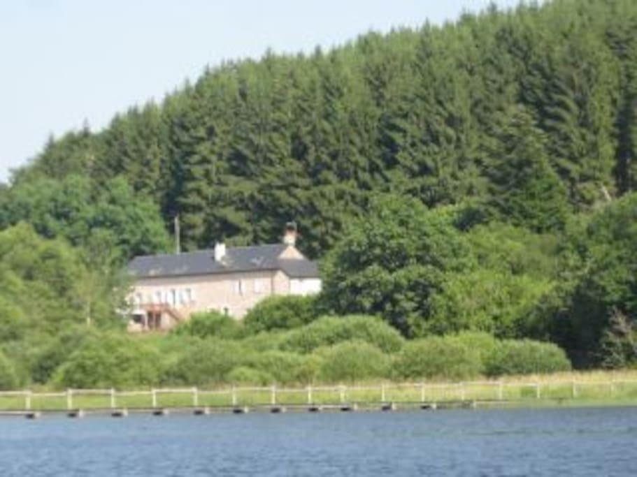 La maison du lac morvan 5 chambres d 39 h tes saint agnan - Chambre d hote lac des settons ...