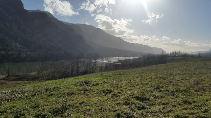 Outdoor People in the Columbia River Gorge