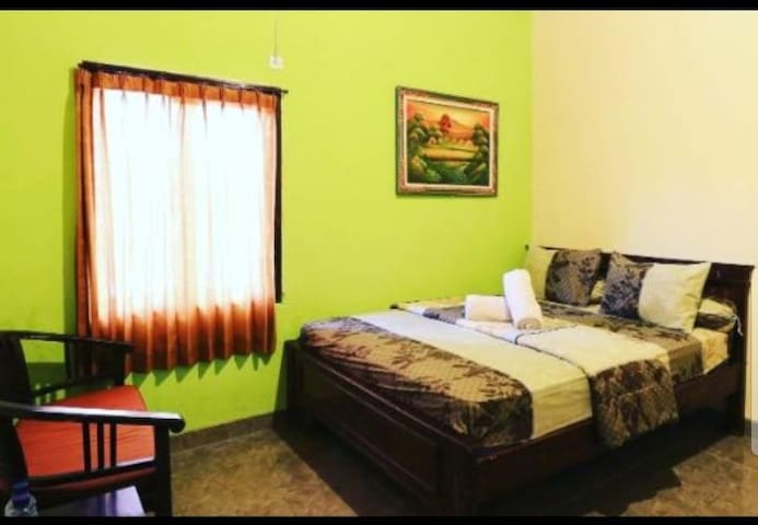 Cheap room only 100meters from White Sand Beach