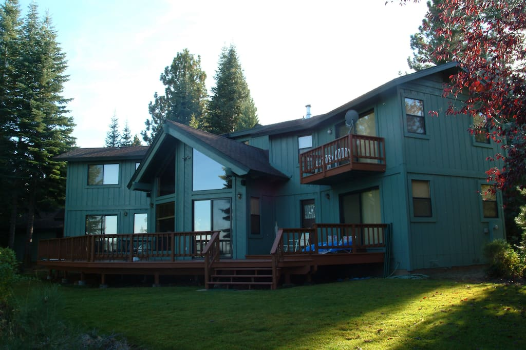 Lakefront Lake Almanor Vacation Rental Cabins For Rent