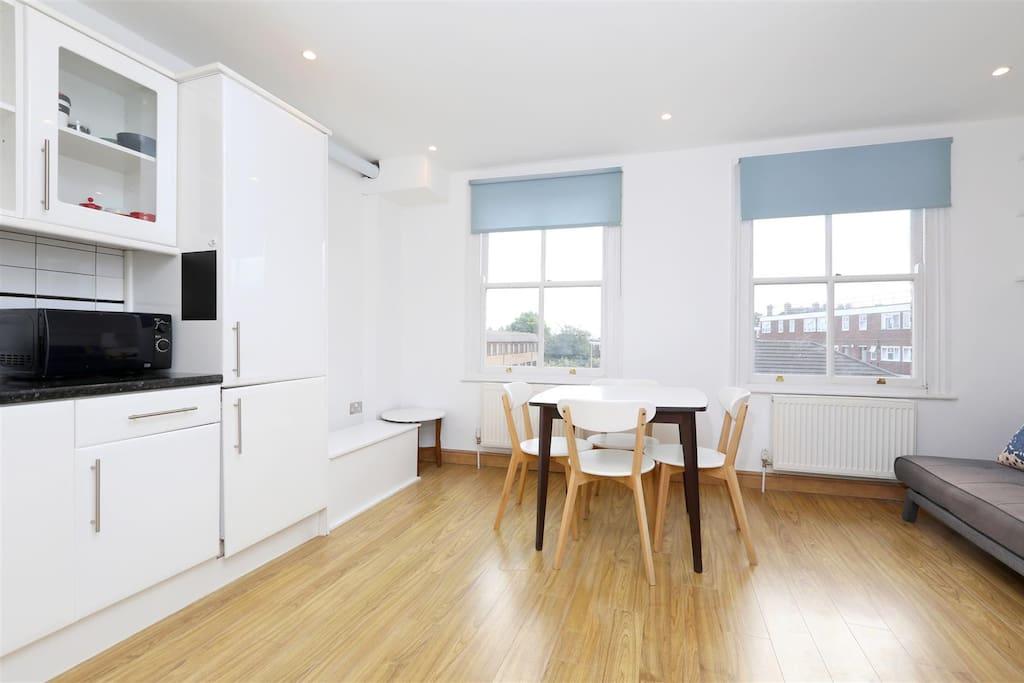 Livingroom // Kitchen