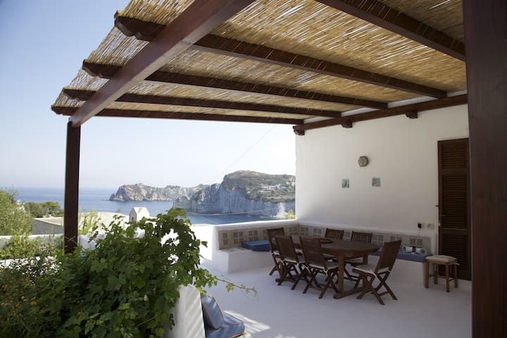 domes, flowers and swimming pool - Ponza - Rumah