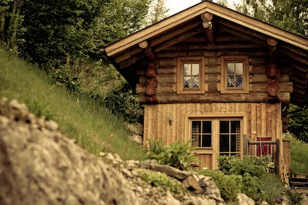Romantik in der eigenen Blockhütte  - Maria Alm - Mökki