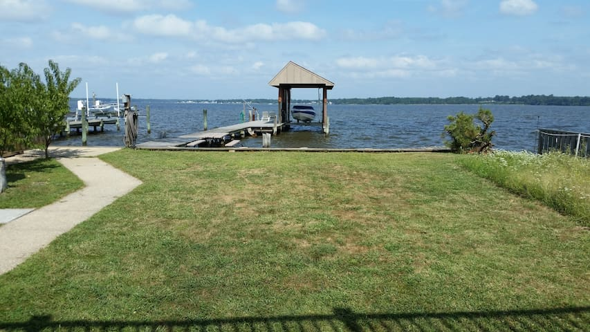 Waterfront home on Millers Island! - Sparrows Point
