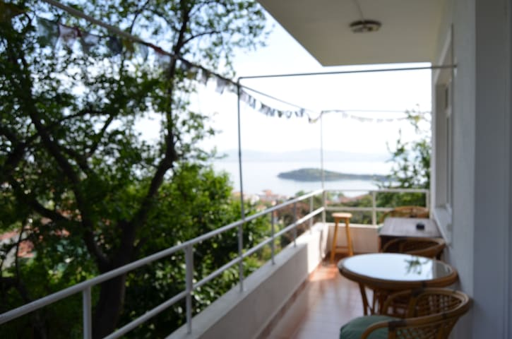 Peaceful flat at quiet Burgazada... - Princes' Islands - Apartemen