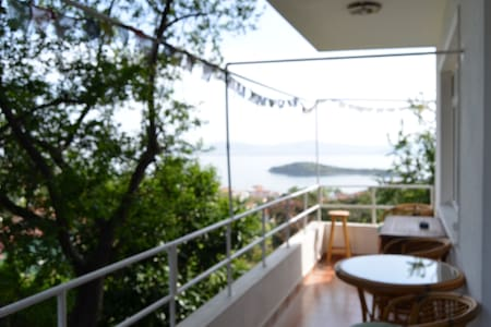 Peaceful flat at quiet Burgazada... - Princes' Islands - อพาร์ทเมนท์