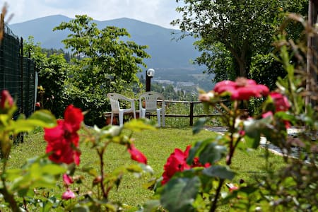 Charming country villa with views - Sassoferrato