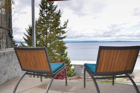 Modern Beach Studio with 180 VIEW,steps from beach - Seattle