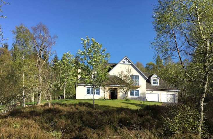King en-suite near Glen Affric with breakfast