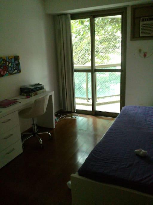 Bedroom for guests/children