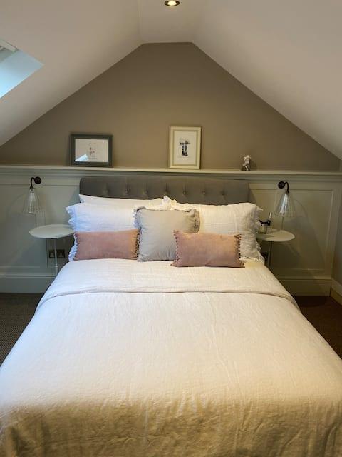 Central Charming 2 Bed Conversion Abingdon