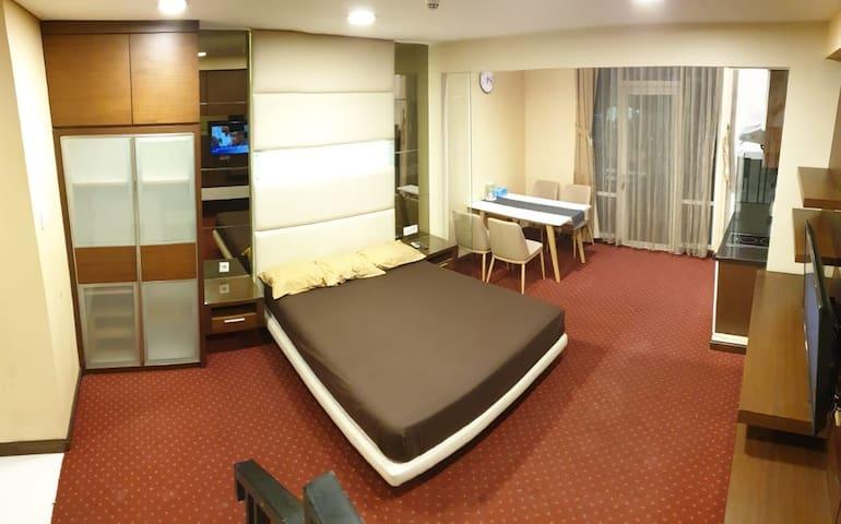 El Royale Hotel Apartment Loft - Panghegar Bandung