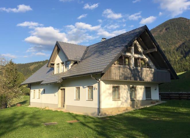 Kobla Mountain Chalet - Ravne - Rumah