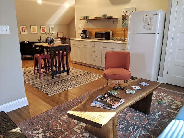 Eclectic Forest Hills Guest Apartment