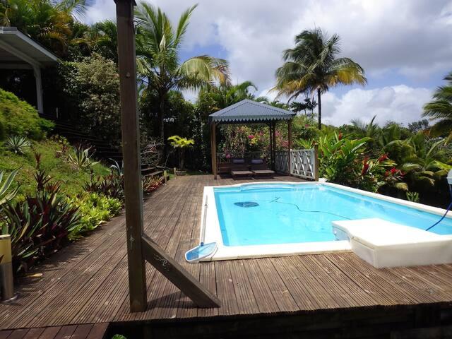 bungalow avec piscine - Petit-Bourg - Rumah