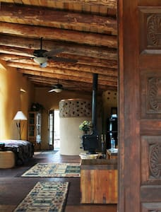 Tranquility Between Santa Fe & Taos - Hus