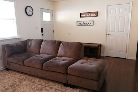 Lake Hood/Airport Family Ranch 3 BR w Patio