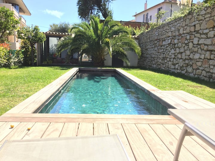 Studio bungalow with garden & pool in Cannes