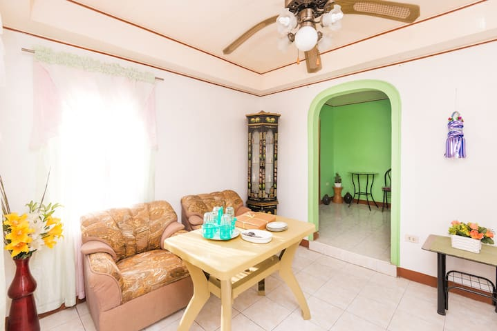 Amy's Guest House - Nasugbu - House