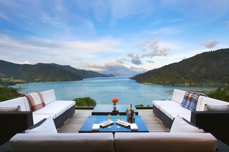 Marlborough Sounds Luxury Lodge - Anakiwa