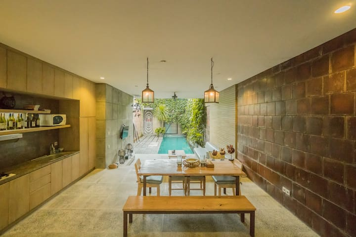 Tranquil Chic Industrial Villa in South Kuta #1