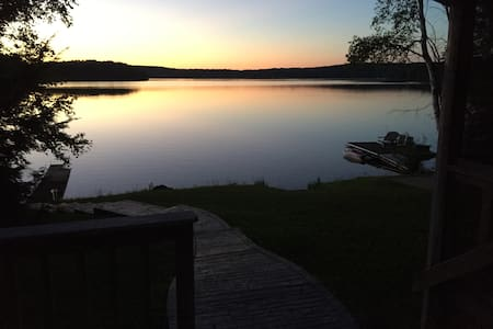 Waterfront Escape, close to Historic Saratoga - Broadalbin